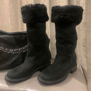 Authentic Chanel Suede CC Logo Shearling Boots 40